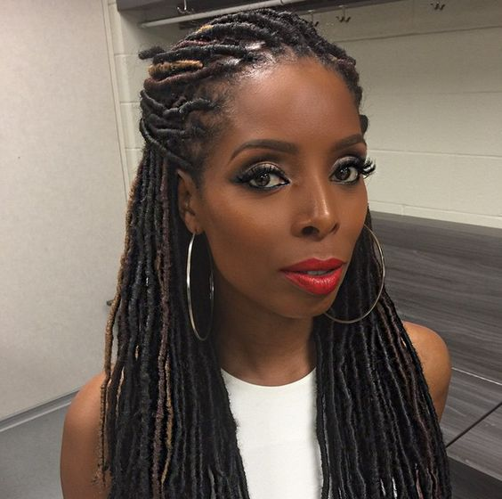 6 protective hairstyles for autumn and winter you must try actor tasha smith with faux locs solutioingenieria Images