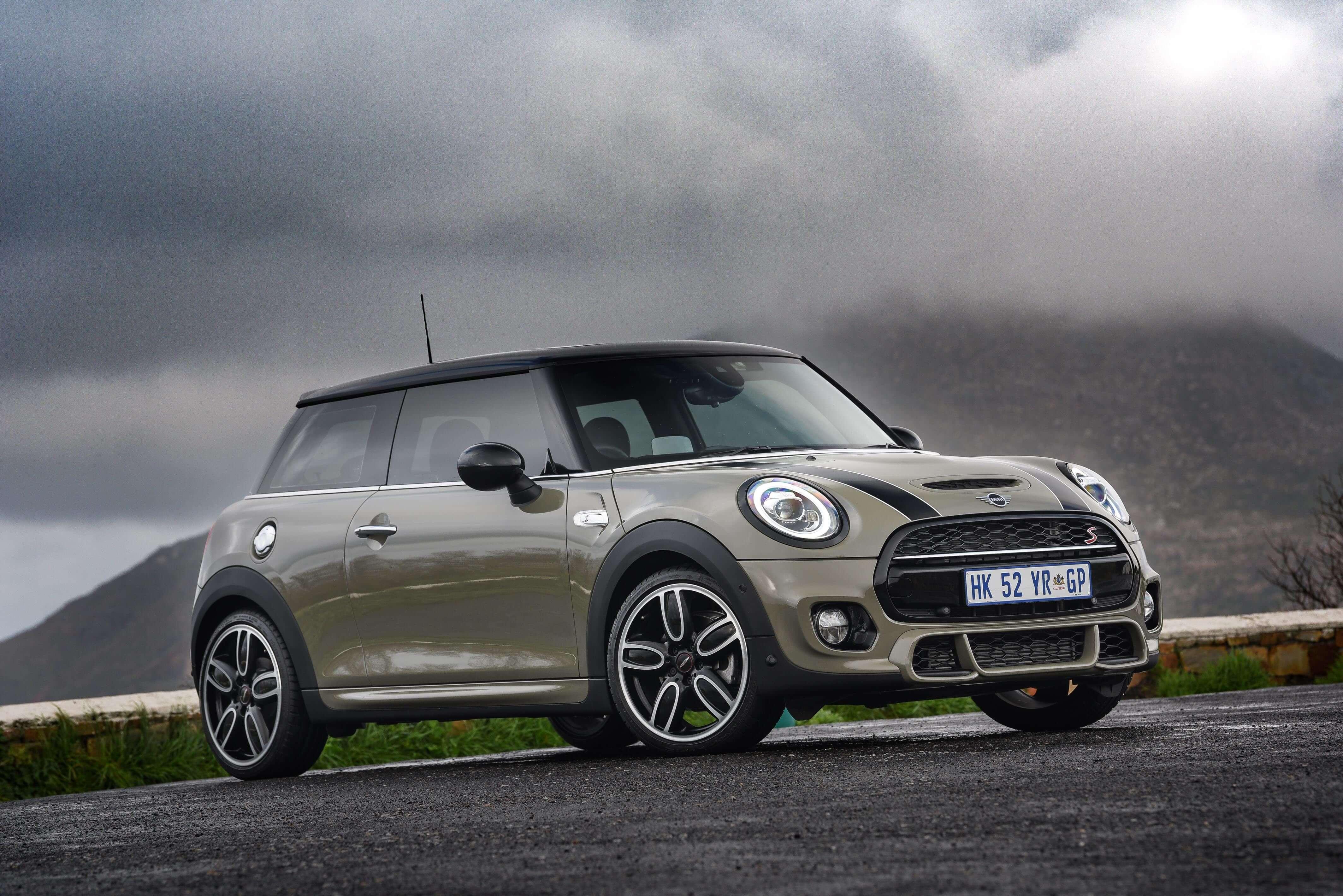 Mini Cooper unveils new facelift