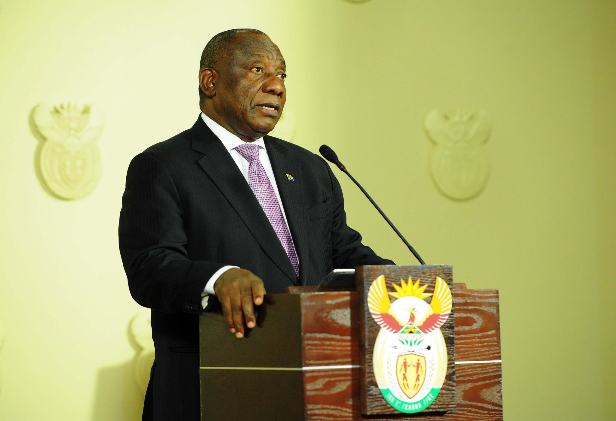 Ramaphosa – between the politics and the administrative