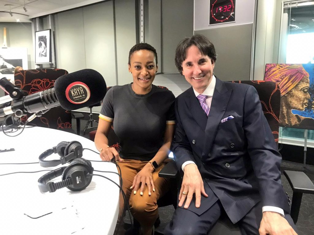 Dr. Demartini shares knowledge on changing your behavior to prioritising wealth