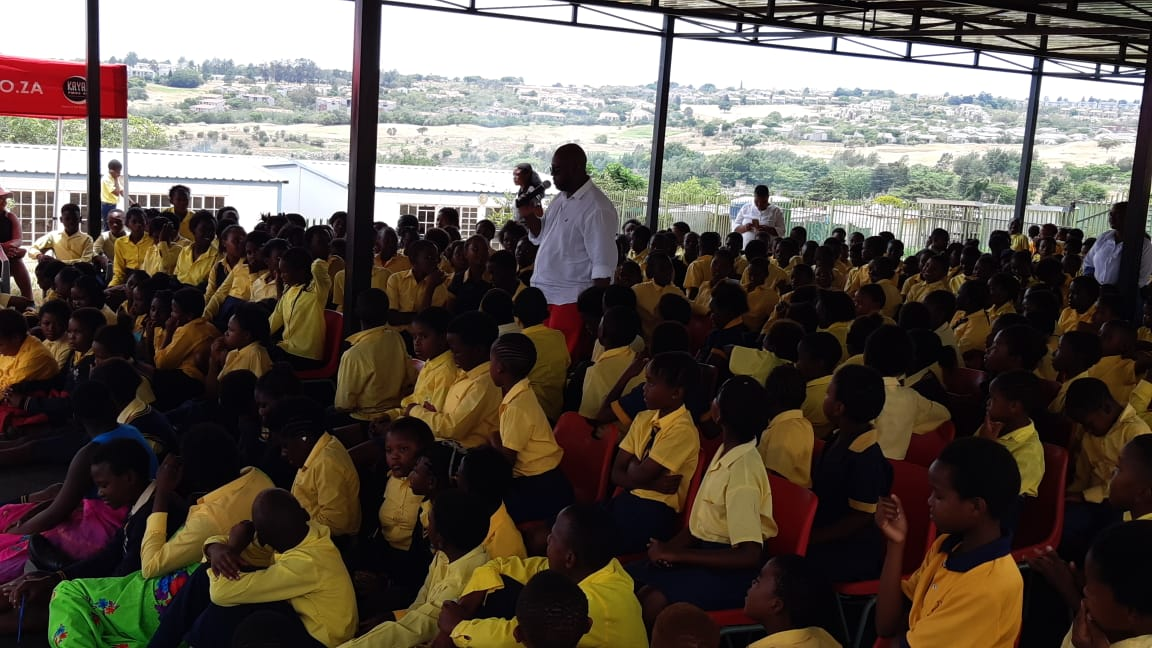 Kaya FM and Coca Cola build an assembly area for Zandspruit Primary