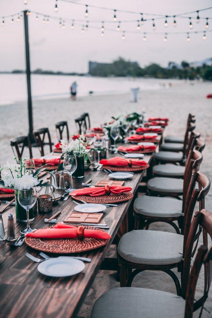 holiday party, holiday party etiquette, holiday party tips
