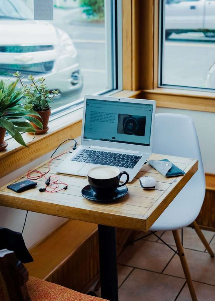 Workplaces if you are self-employed, where freelancers work, freelancer work tips